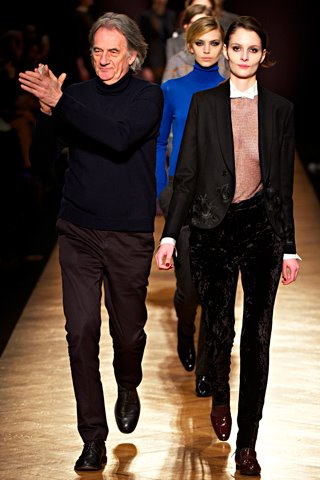 images/cast/10150541280357035=my job on fabric x=paul smith Fall 2012 london